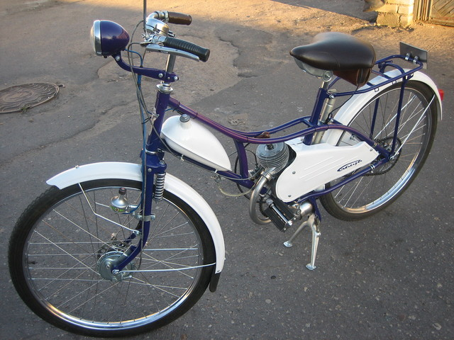 http://content8-foto.inbox.lv/albums/i/izhmoto/zelta-mopeds/retroorient-08-080.sized.jpg