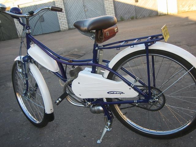 http://content8-foto.inbox.lv/albums/i/izhmoto/zelta-mopeds/retroorient-08-081.sized.jpg